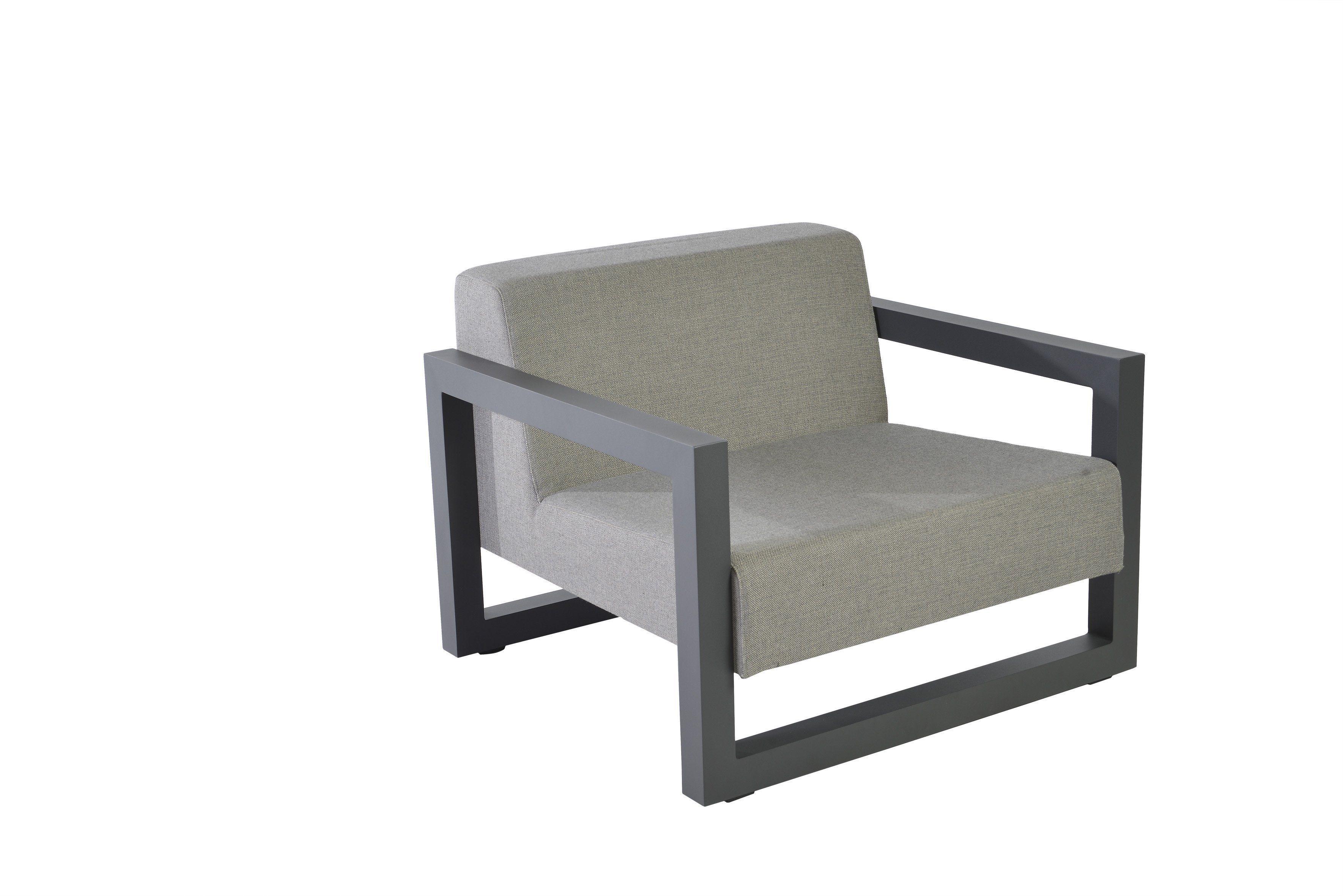 Borek - Bergen lage fauteuil - Remy Meijers   Bogarden Buitenmeubiliar