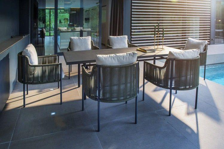 Yoi Furniture - Umi stoelen en Ki tafel | Bogarden Buitenmeubilair
